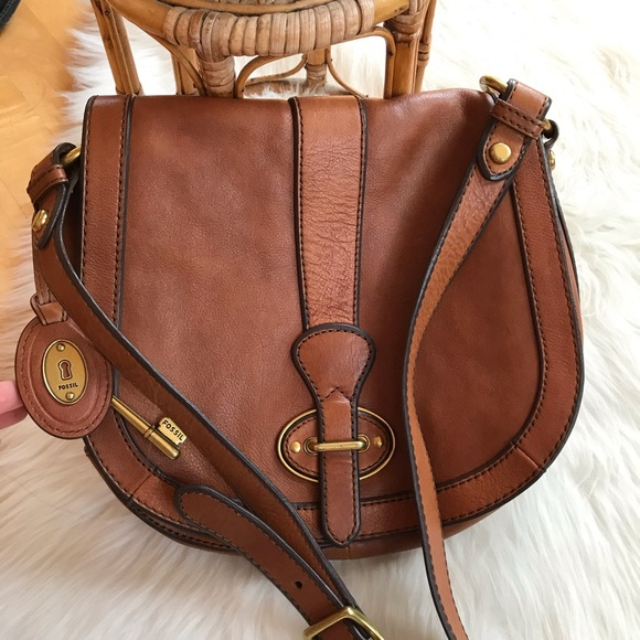 Fossil Handbags - Fossil leather crossbody bag LIKE NEW